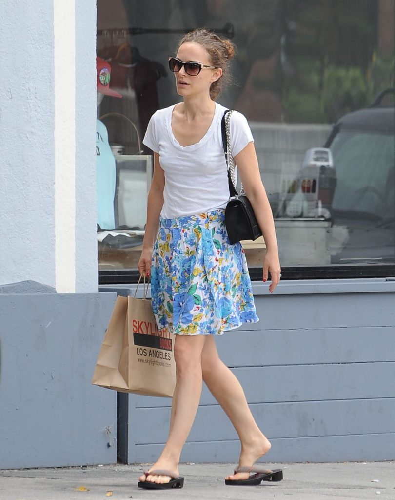 Natalie Portman Sexy Thighs Pics