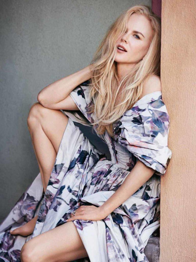 Nicole Kidman Sexy Legs Photos