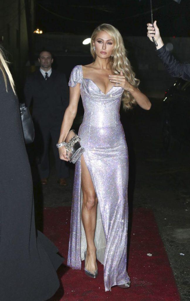 Paris Hilton Sexy Thighs Images
