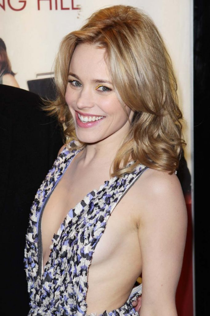 Rachel McAdams Braless Photos