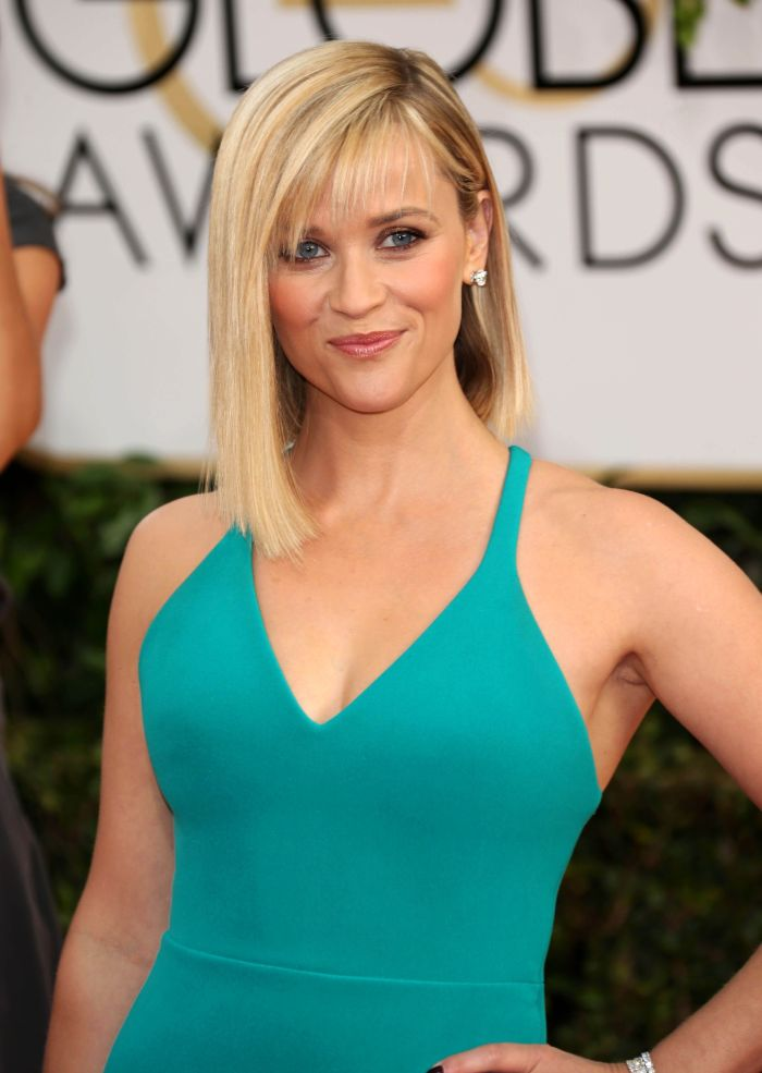 Reese Witherspoon Hot Cleavage Images