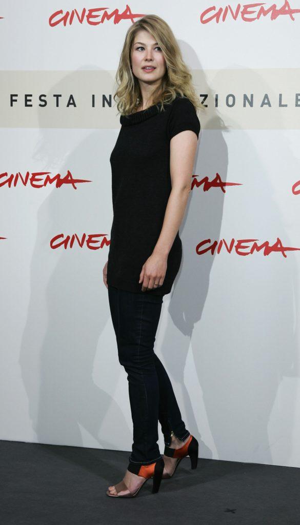Rosamund Pike Jeans Top Pics