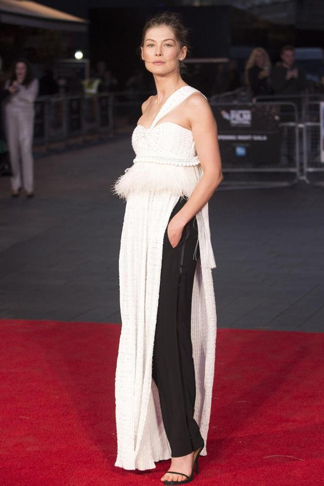 Rosamund Pike Latest Hair Style Images