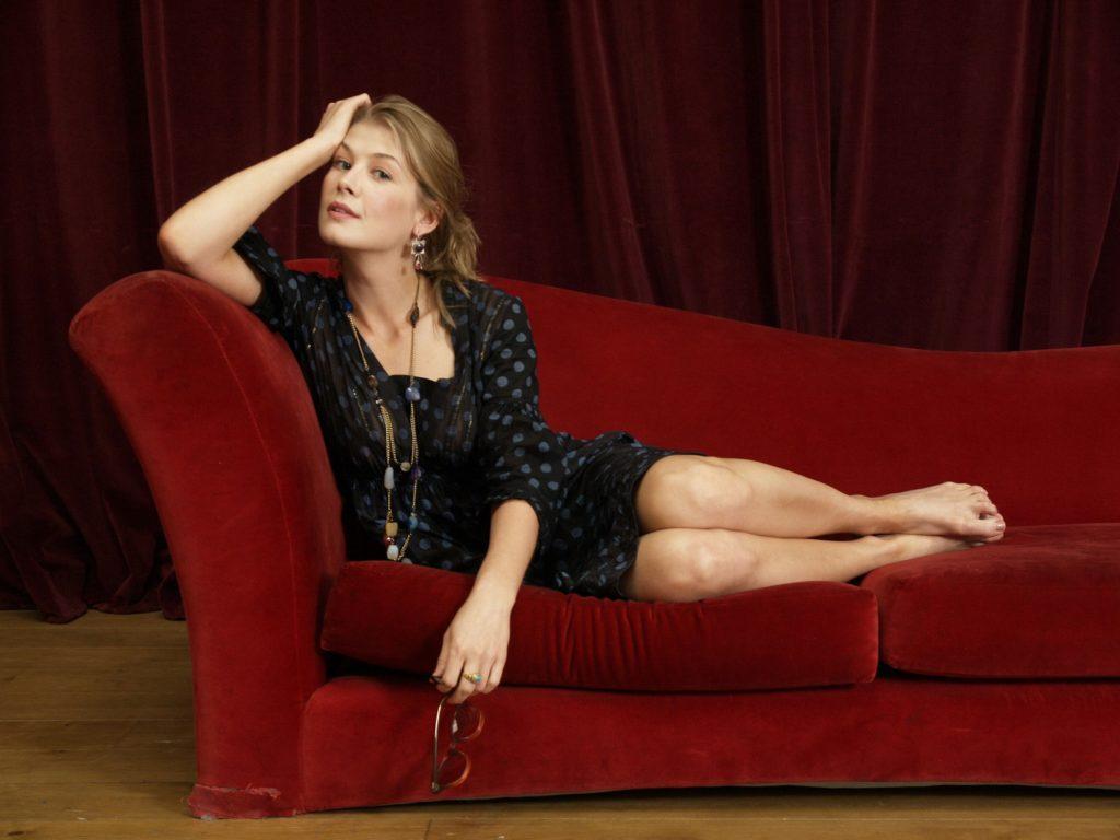 Rosamund Pike Undergarments Pictures