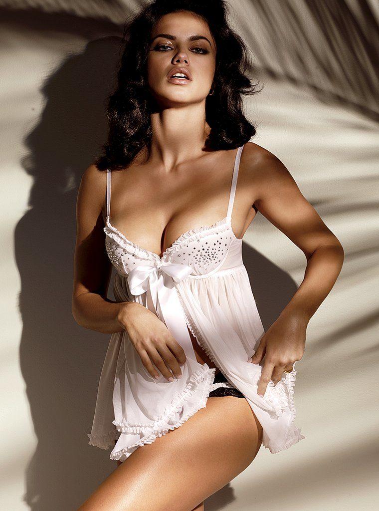 Adriana Lima Bikini Wallpapers