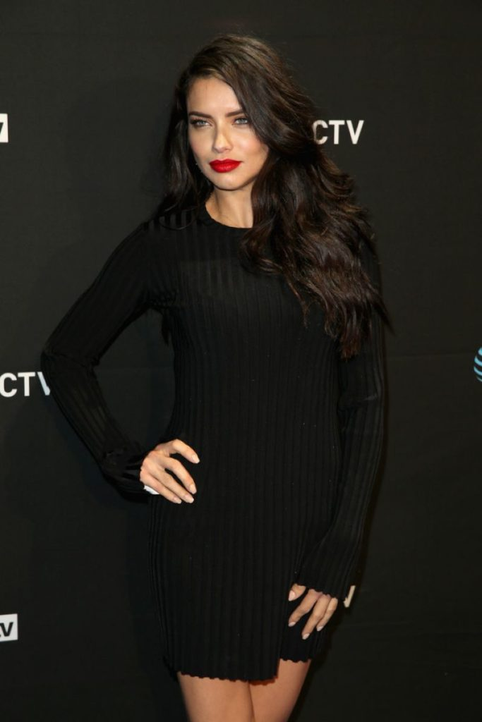 Adriana Lima Cute Pictures