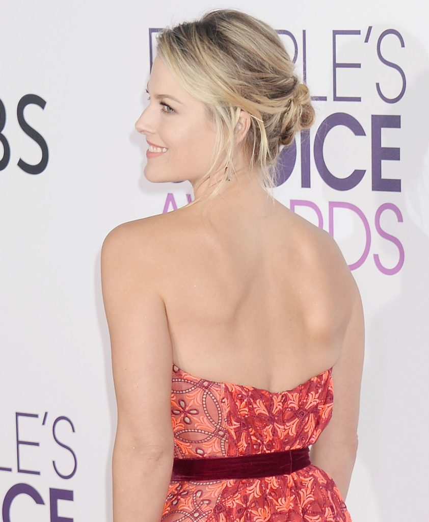 Ali Larter Backless Pictures