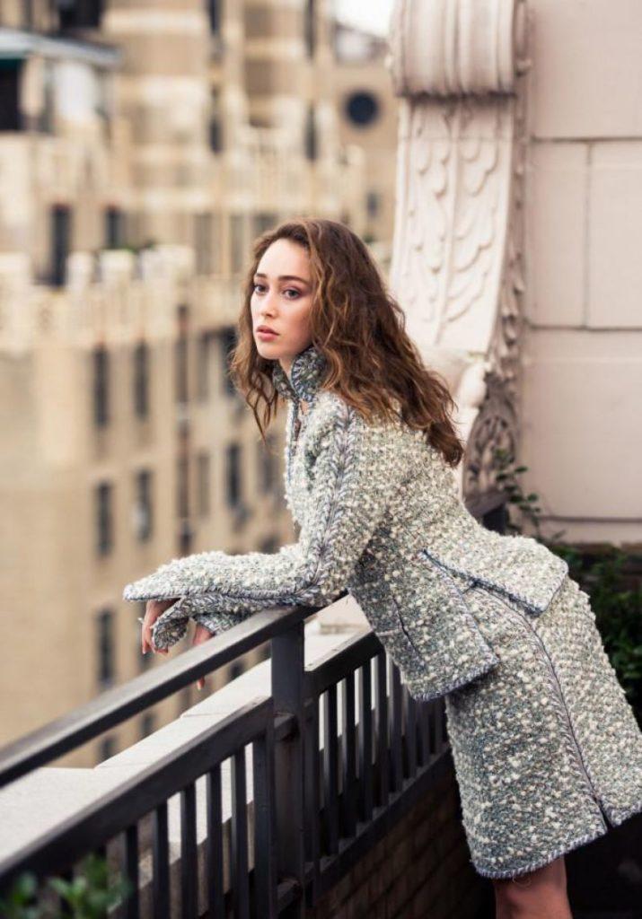 Alycia Debnam-Carey Sexy Pics