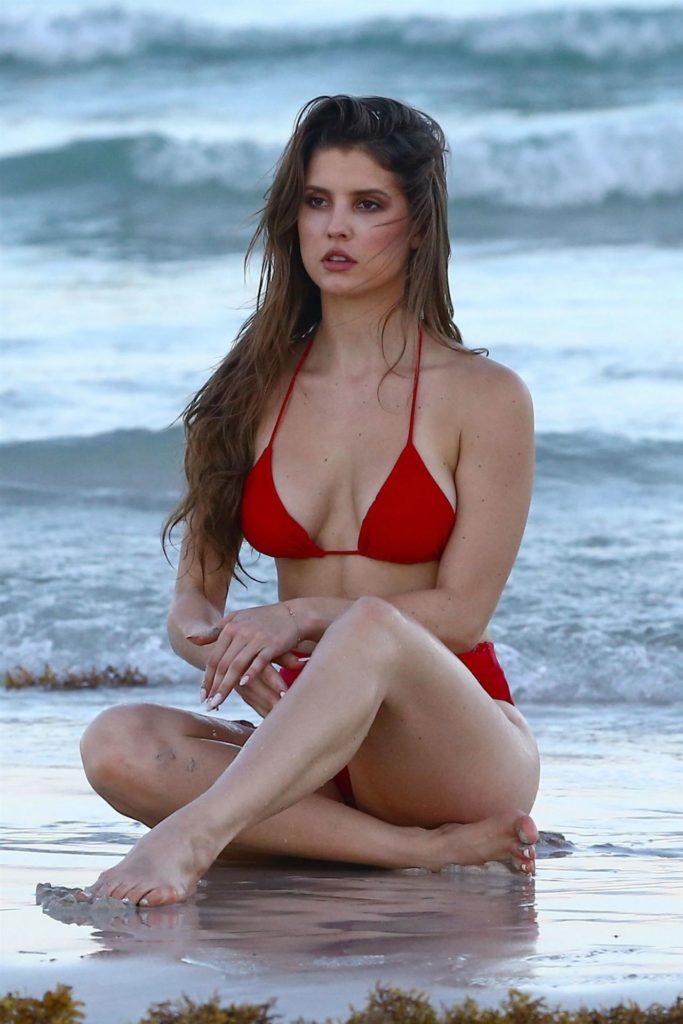 Amanda Cerny Bikini Pics