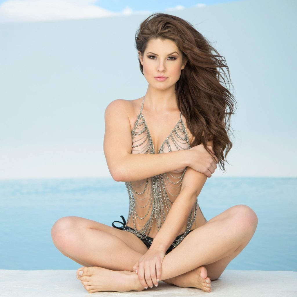 Amanda Cerny In Bikini On The Beach