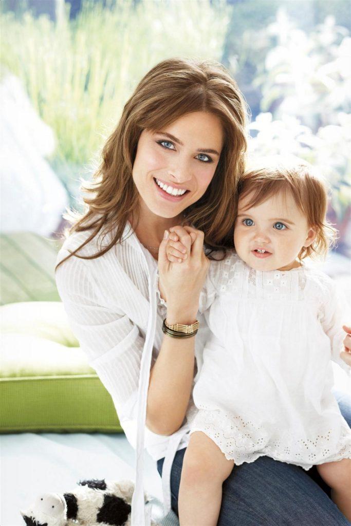 Amanda Peet & His Baby Pics