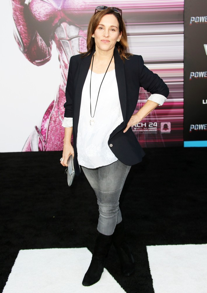 Amy Jo Johnson Jeans Top Photos