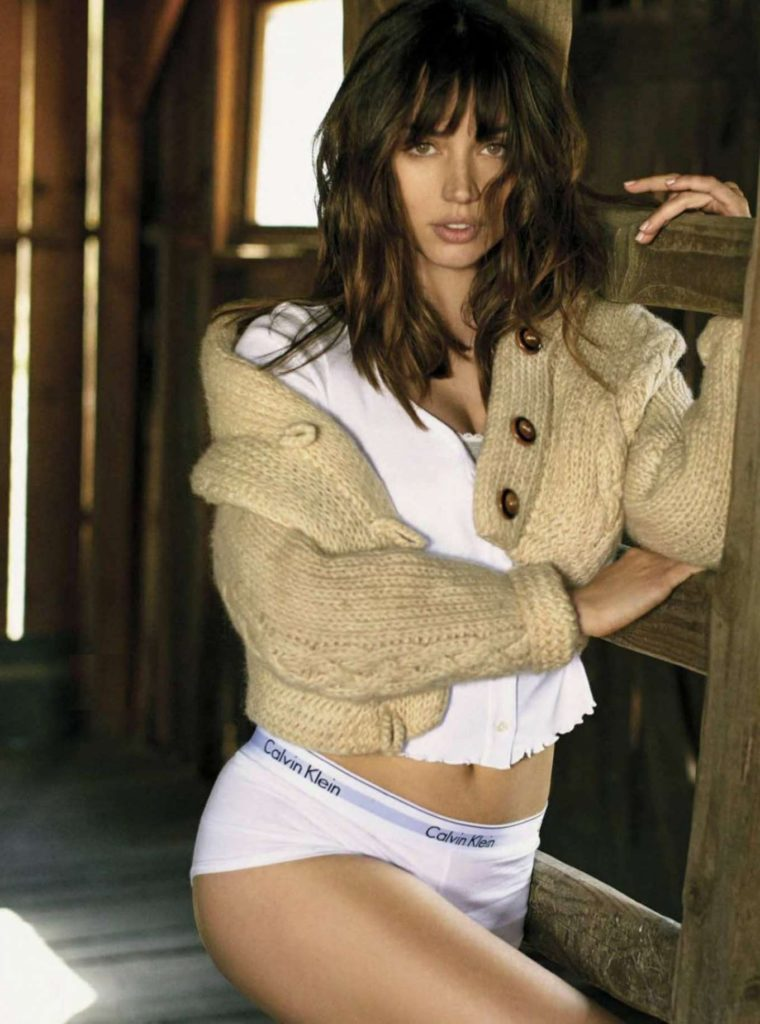 Ana de Armas In Undergarments Photos
