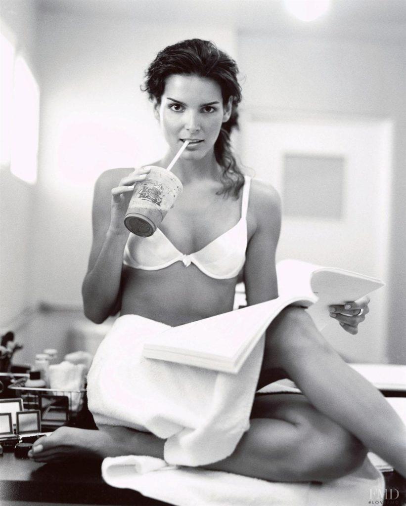 Angie Harmon In Undergarments Photos