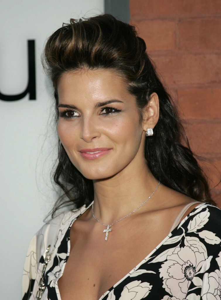 Angie Harmon Latest Hair Style Images
