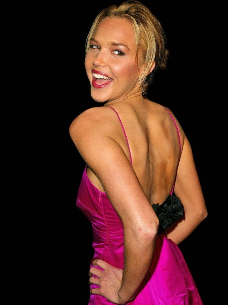 Arielle Kebbel Backless Pictures