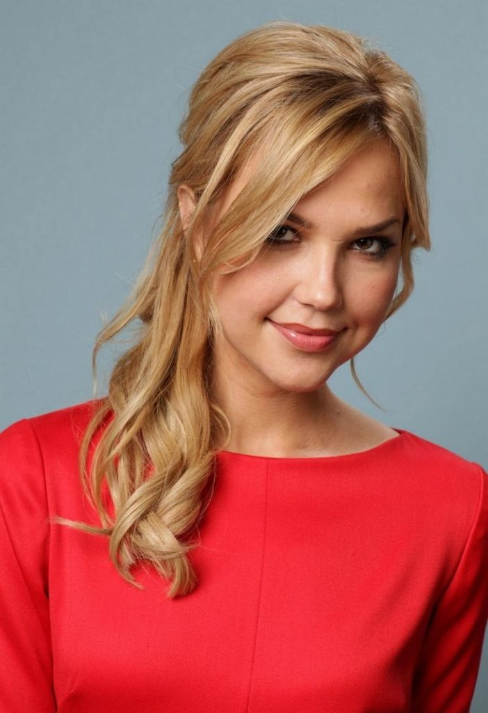 Arielle Kebbel New Hair Cut Pictures