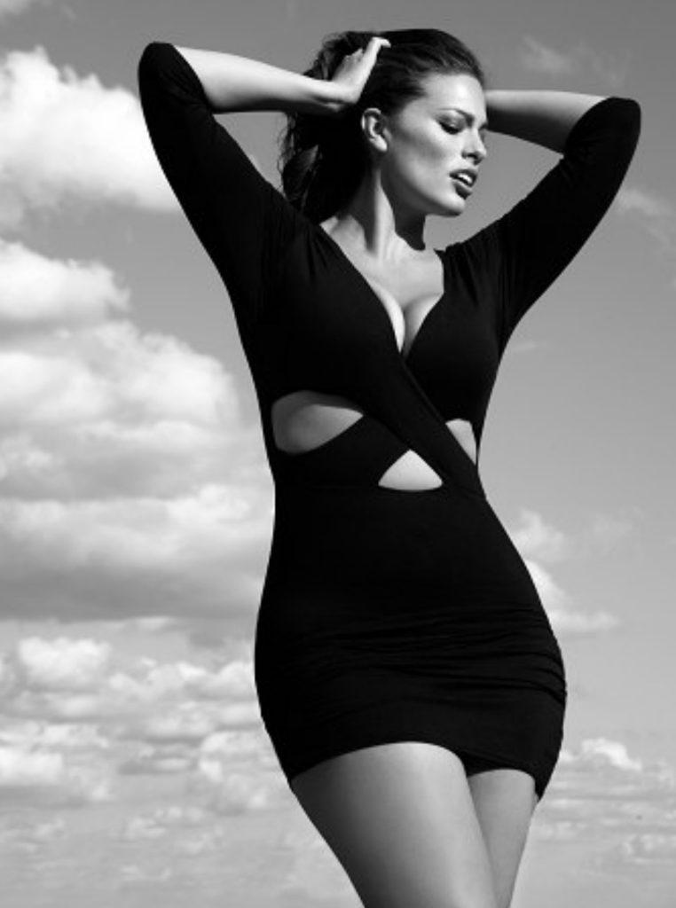 Ashley Graham In Bathing Suit Pics