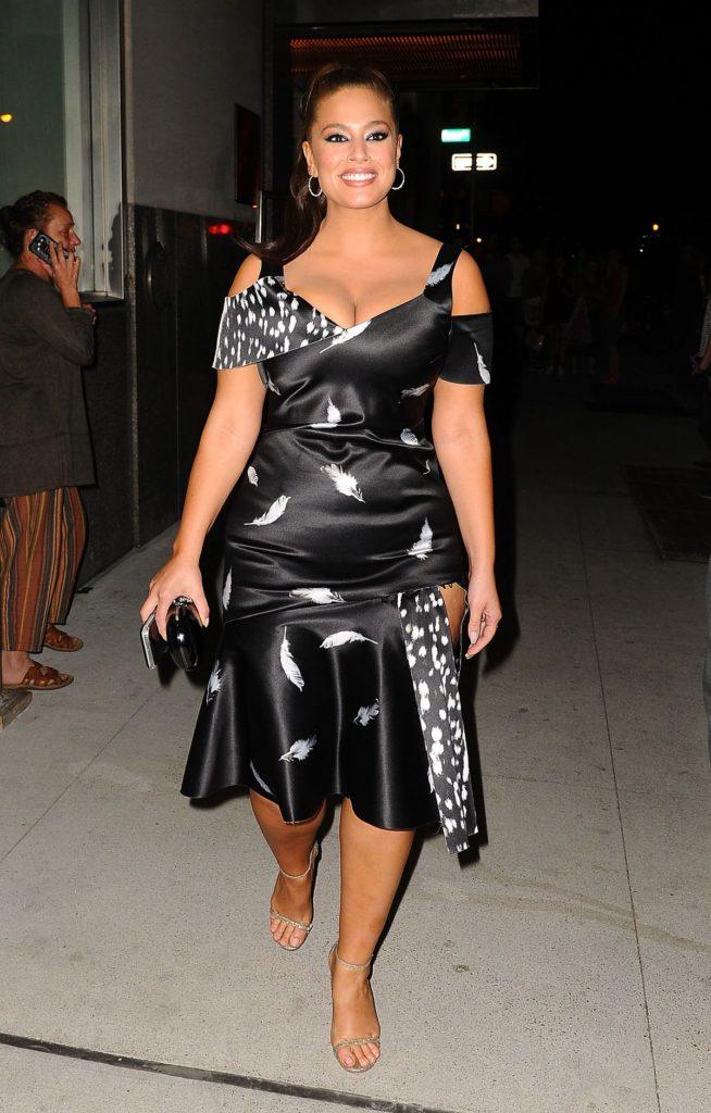 Ashley Graham In Short Dress Photos