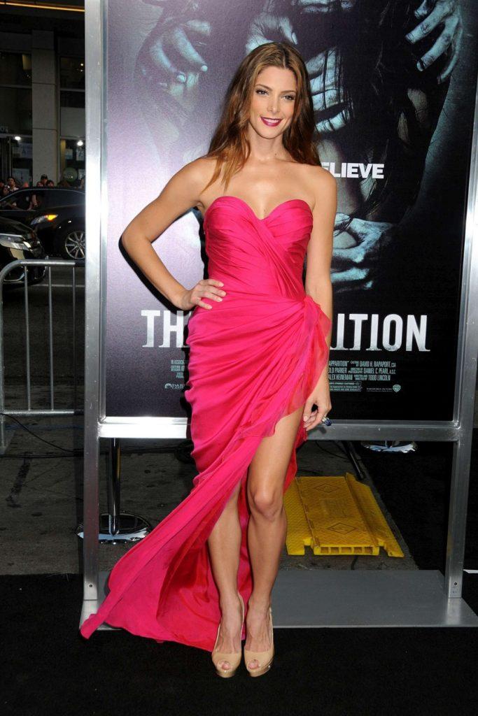 Ashley Greene Sexy Thighs Photos
