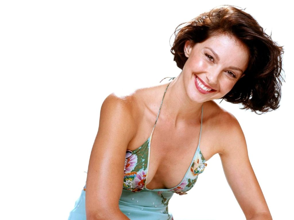 Ashley Judd In Bikini Photos