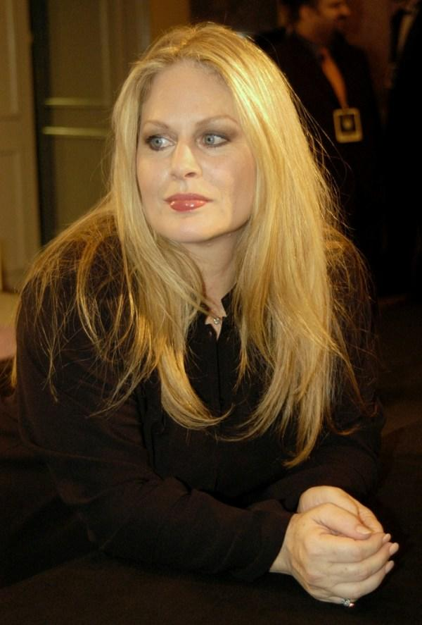 Beverly D'Angelo Hot Pictures