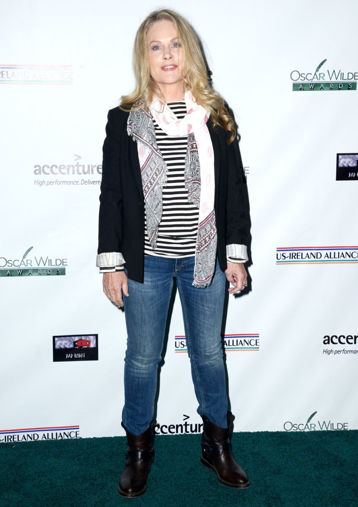 Beverly D'Angelo Jeans Wallpapers