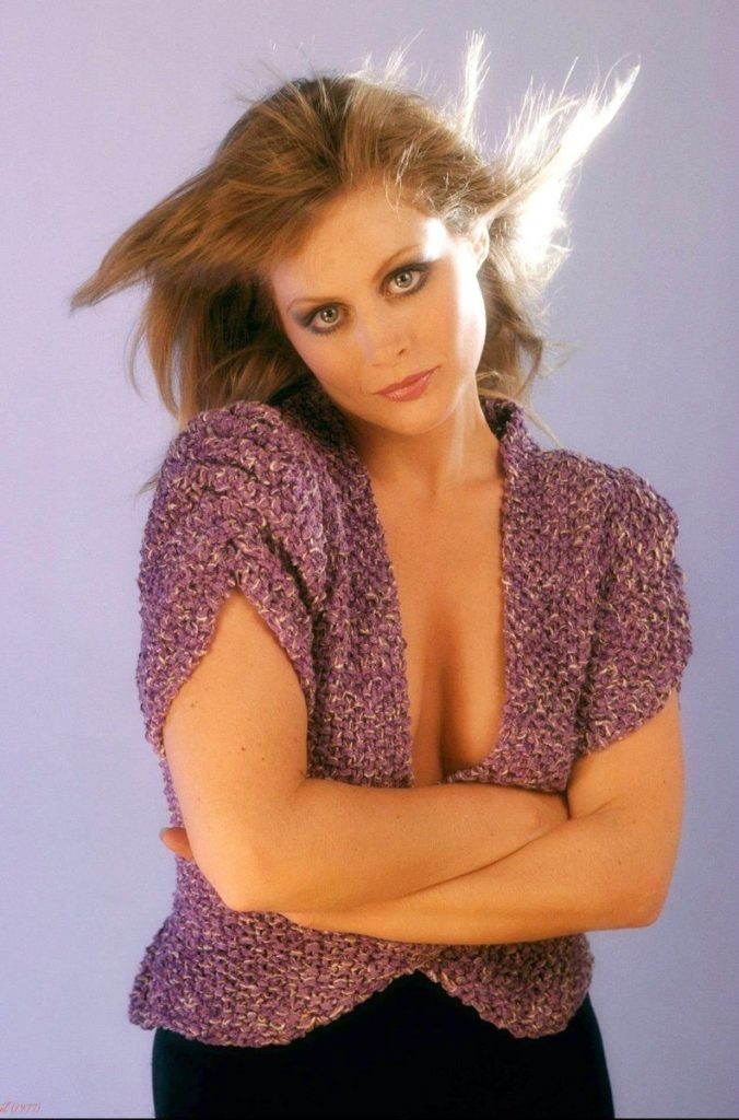 Beverly D'Angelo Sexy Photoshoot