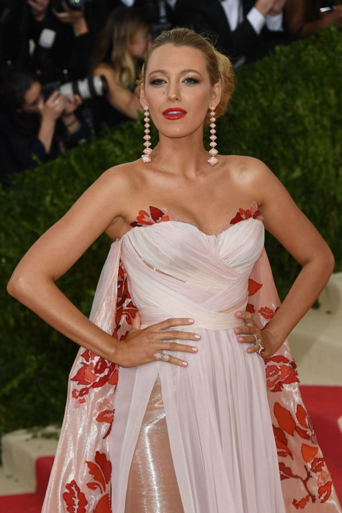 Blake Lively Oops Moment Pics