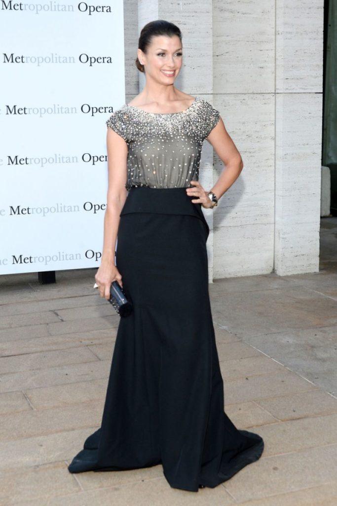 Bridget Moynahan In Gown Images