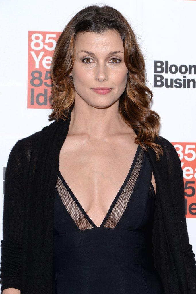 Bridget Moynahan Topless Photos