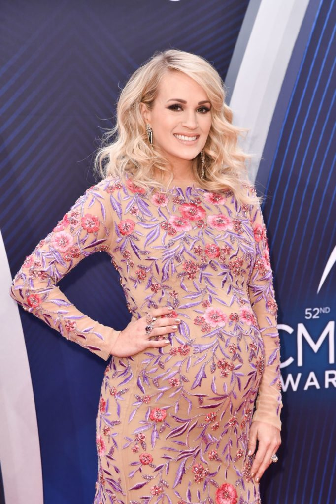 Carrie Underwood Baby Bump Wallpapers