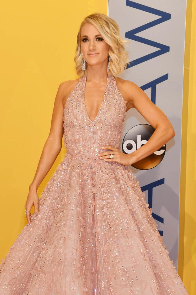 Carrie Underwood Short Hair Images
