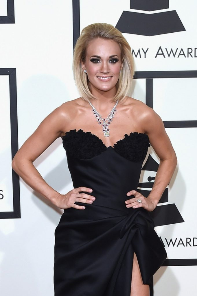 Carrie Underwood Topless Images