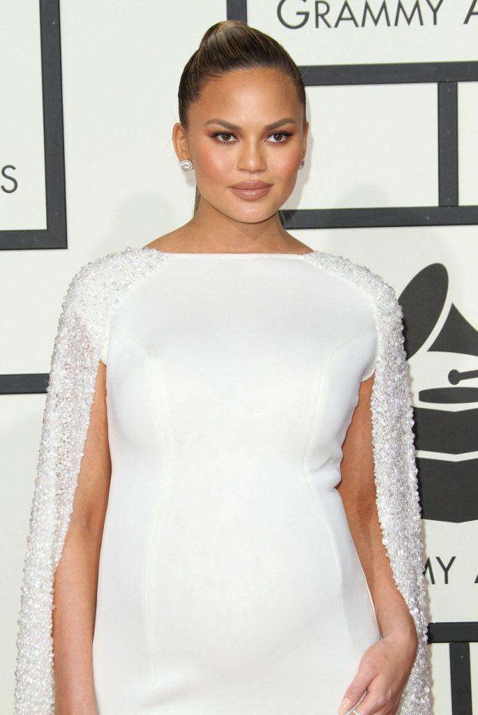 Chrissy Teigen In White Clothes Photos