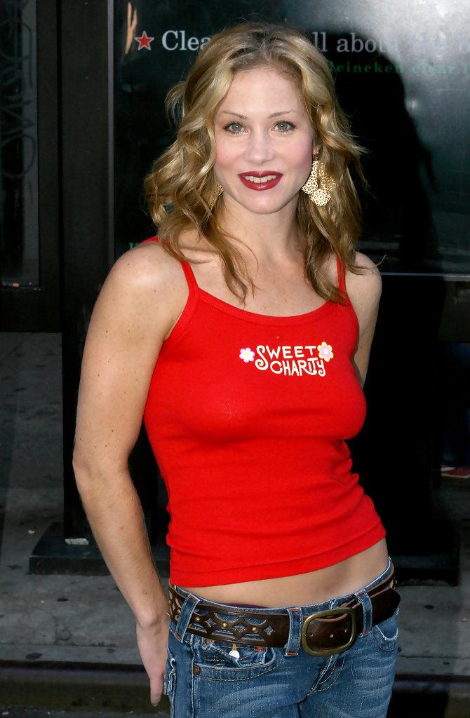 Christina Applegate Hot Pics