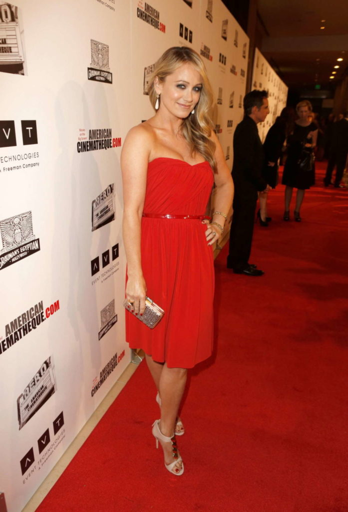 Christine Taylor In Red Color Clothes Pics