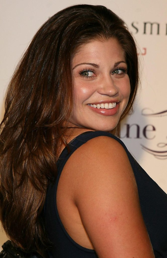 Danielle Fishel Bacless Images