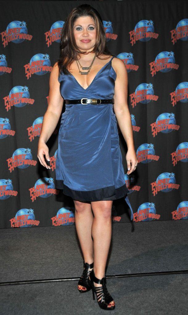 Danielle Fishel Sexy Look Pics