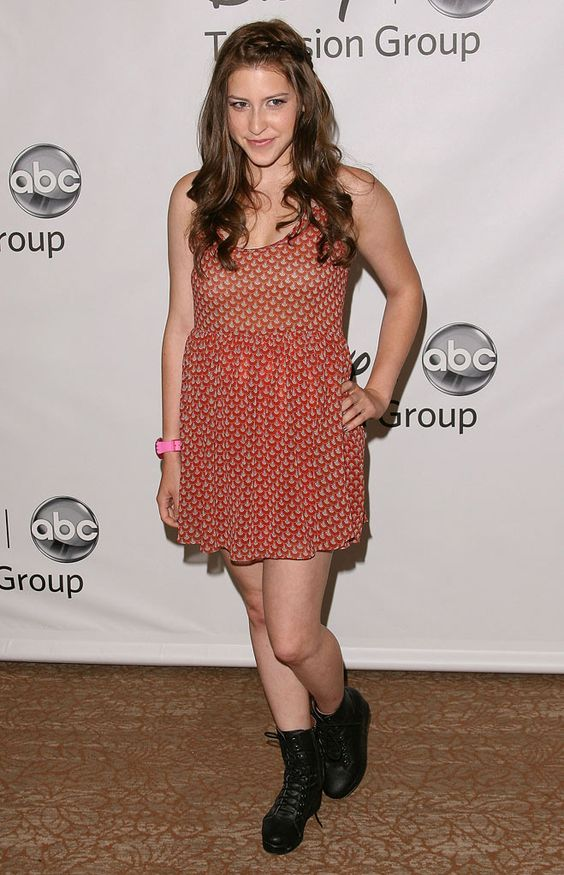 Eden Sher Feet Pictures