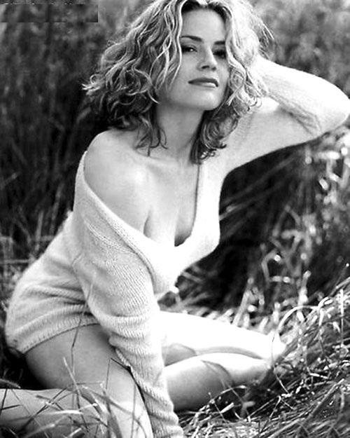 Elisabeth Shue In Undergarments PHotos