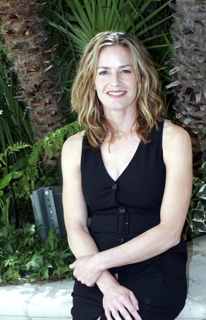 Elisabeth Shue Smiling Pics