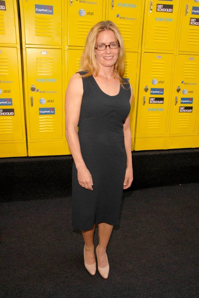 Elisabeth Shue Yoga Pants Pics