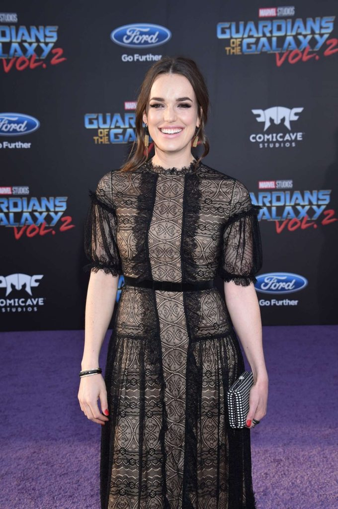 Elizabeth Henstridge Latest Sexy Pics