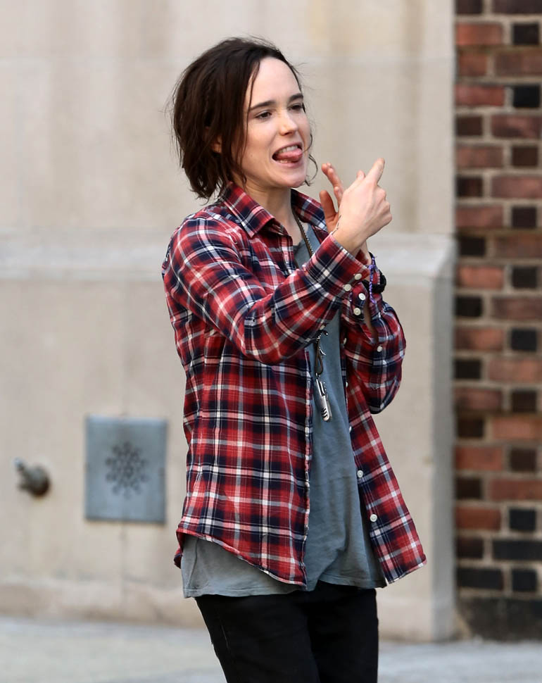 Ellen Page Leggings Images