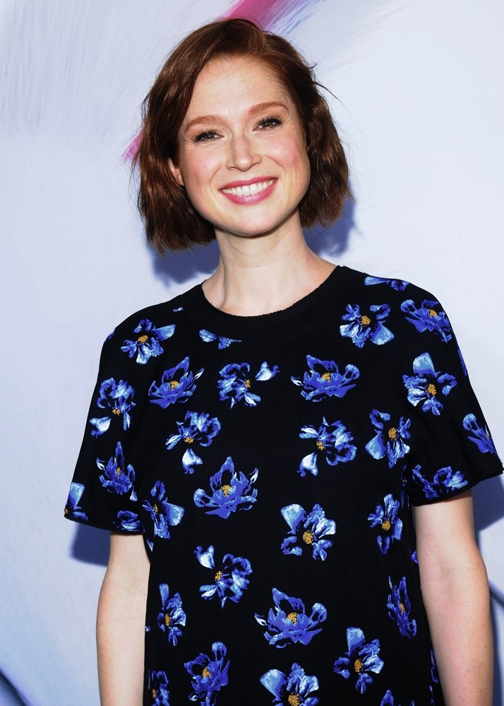 Ellie Kemper Cute Smile Pics