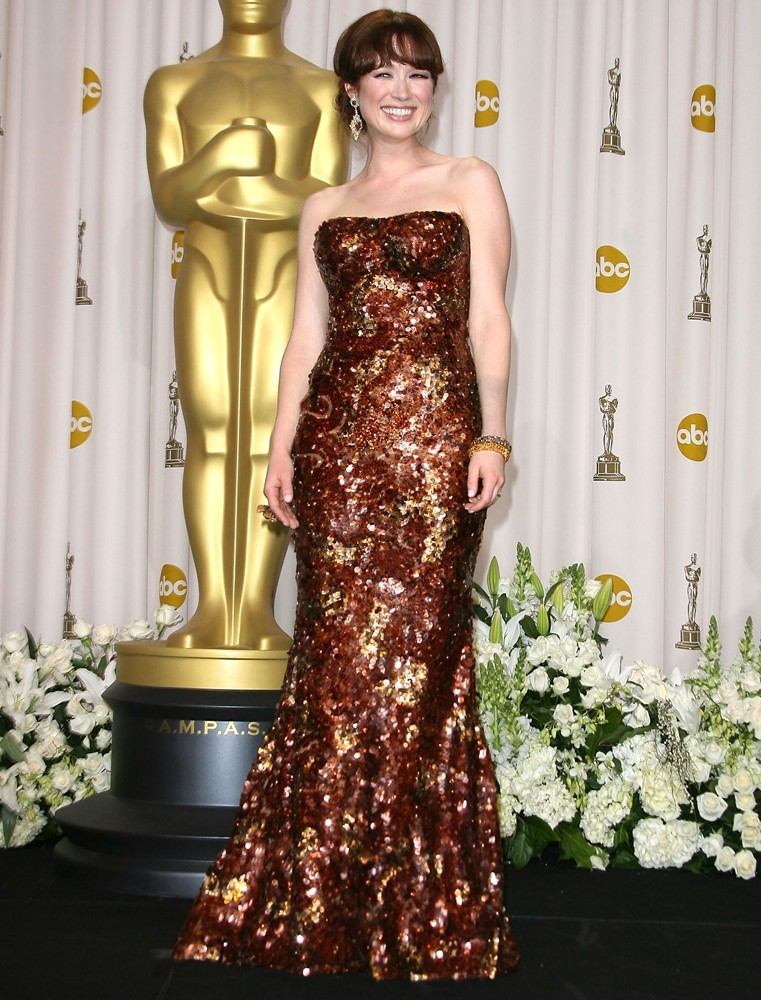 Ellie Kemper In Gown Images