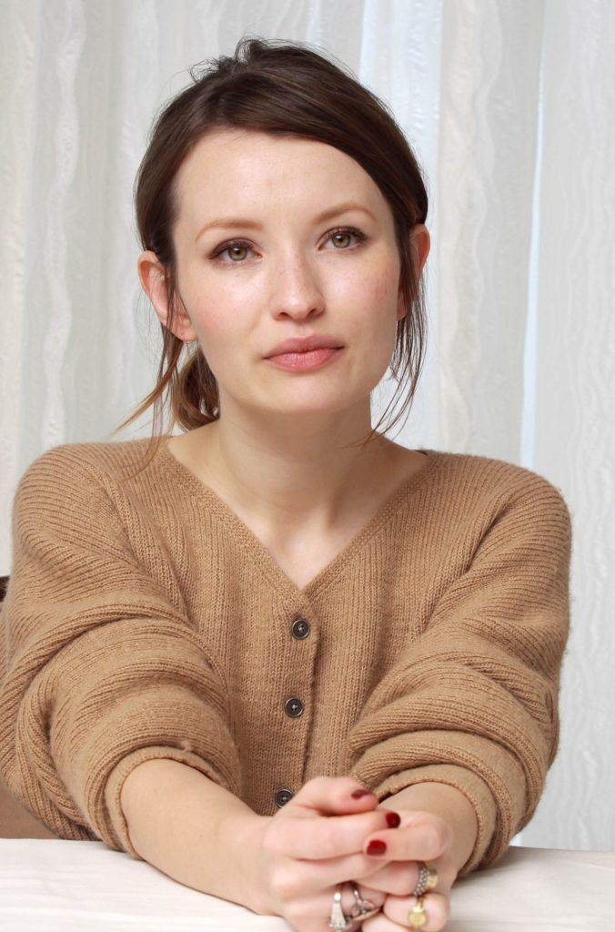 Emily Browning Cute Pics