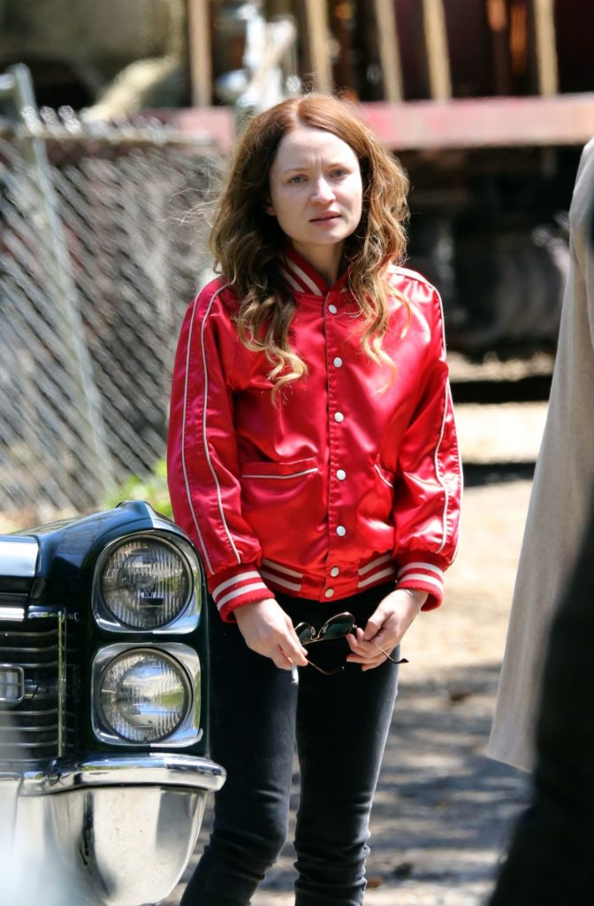 Emily Browning Hot Pictures