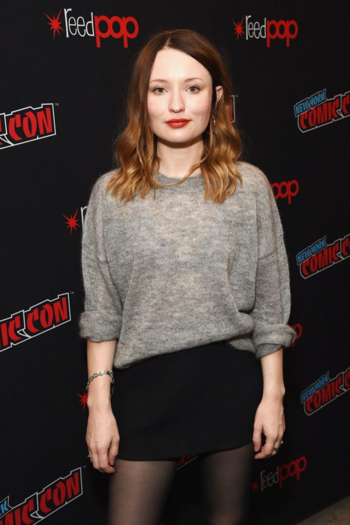 Emily Browning Leggings Pictures
